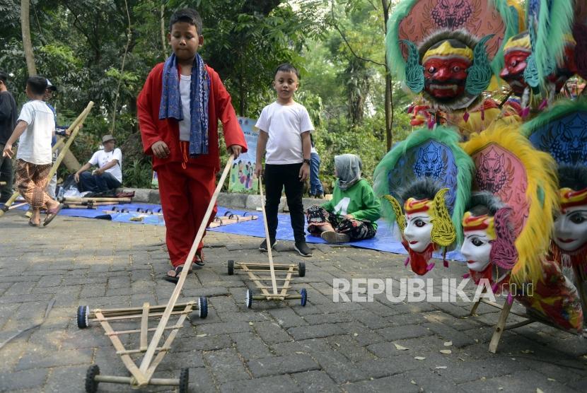 Gubernur Dki Diminta Populerkan Permainan Tradisional Republika Online