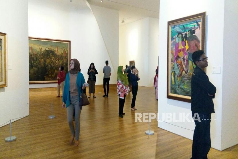 Pengunjung di Museum Macan, Jakarta naik dua kali lipat pada libur panjang akhir tahun, Ahad (28/12).