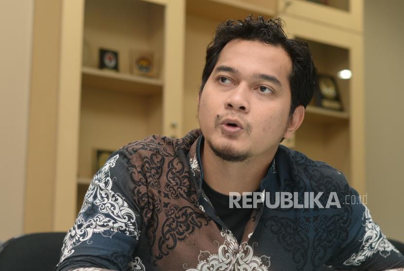 Aktor film dan aktivis dakwah, Cholidi Asadil Alam saat sesi wawancara  bersama republika di Jakarta, Senin (24/12).