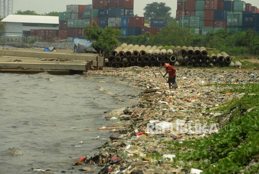 Sampah plastik di Jakarta. (Ilustrasi)