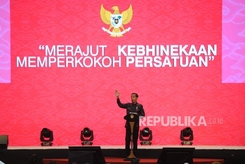 President Joko Widodo delivers his speech when attending the 2019 National Chinese New Year Celebration at the Jakarta International Expo (JIExpo) Kemayoran, Jakarta, Thursday (Jan 7).