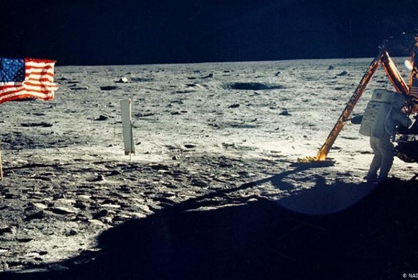 Apa Benar Manusia Sudah Pernah Mendarat di Bulan?