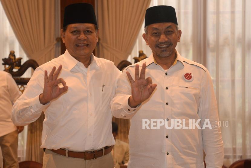 Pasangan Calon Gubernur Jawa Barat dari Partai Koalisi Asyik, Sudrajat (kiri) - Ahmad Syaikhu berfoto saat melakukan pertemuan di Jakarta, Kamis (1/3).