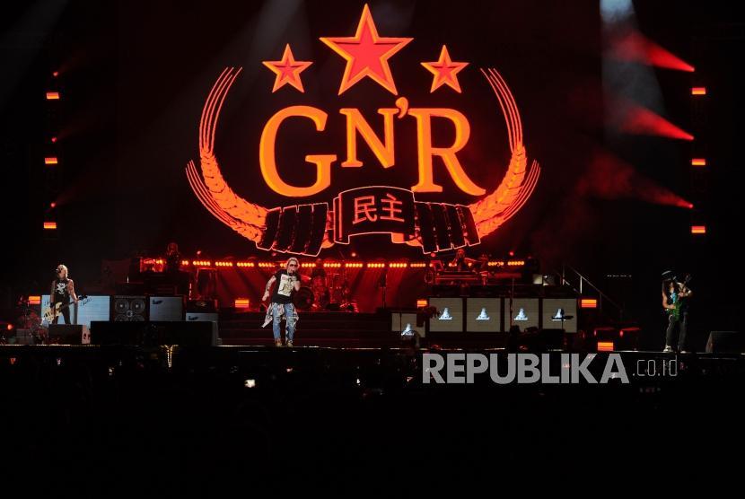 Grup band Guns N Roses menggelar konser bertajuk