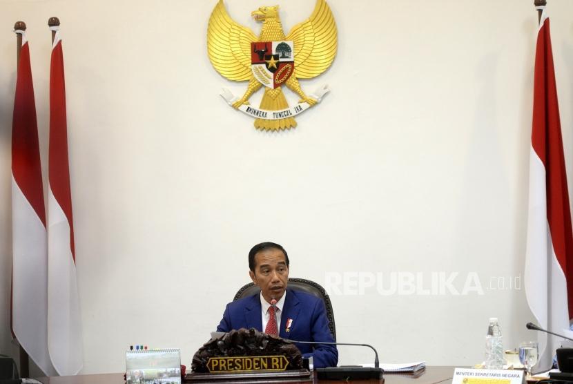 Divestasi Saham Freeport. Presiden Joko Widodo memimpin rapat terbatas terkait divestasi saham freeport di Kantor Kepresidenan, Jakarta, Kamis (29/11).