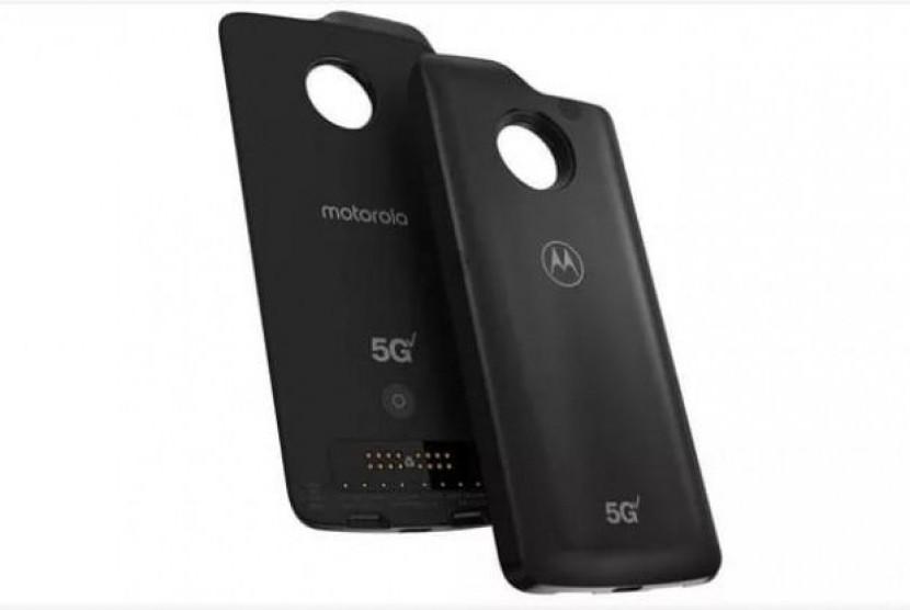 Keren... Motorola Z2 Bisa Terhubung dengan Jaringan 5G Moto Mod. (FOTO: Motorola)