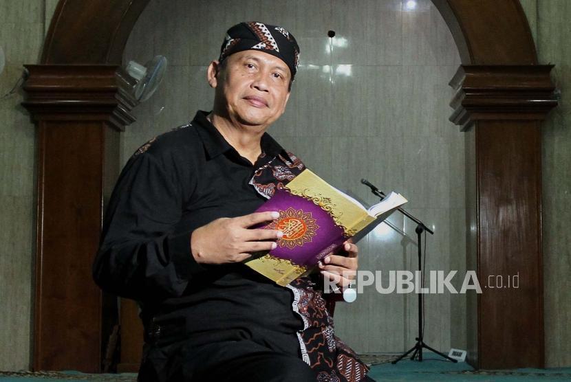 Pengurus masjid Jogokariyan, Yogyakarta, Ustaz HM Jazir ASP
