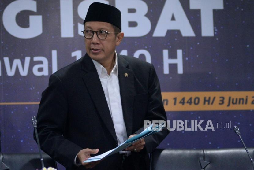 Menteri Agama Lukman Hakim Saifuddin bersiap memberikan keterangan usai melaksanakan Sidang Isbat di kantor Kementerian Agama, Jakarta, Senin (3/6).