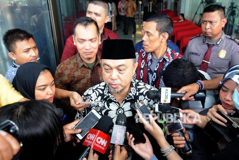 Anggota DPR RI Tamsil Linrung memaparkan pendapat menjalani pemeriksaan di Gedung KPK, Jakarta, Jumat, (12/1).
