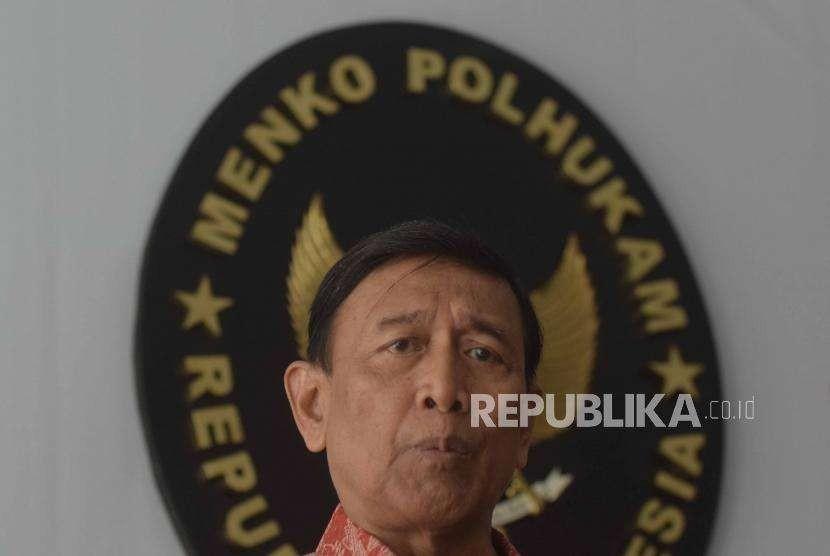 Menteri Koordinator Politik hukum dan keamanan Republika Indonesia, Wiranto.