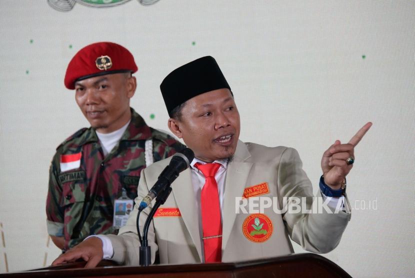 Ketua Umum PP Pemuda Muhammadiya periode 2018-2022 Sunanto memberikan sambutan pada acara pelantikan pengurus PP Pemuda Muhammadiyah periode 2018-2022 di Gedung Dakwah Muhammadiyah, Jakatra, Jumat (28/12) malam.