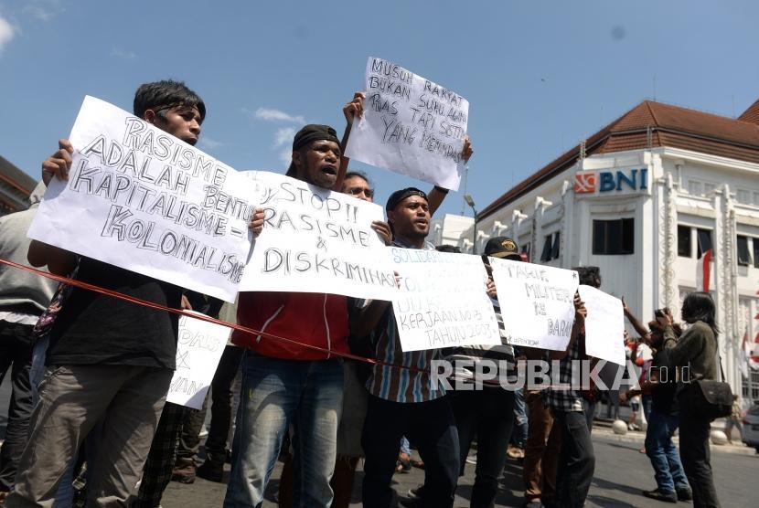 Demo Rasisme Papua. Mahasiswa Papua menggelar unjuk rasa di titik nol Yogyakarta, Selasa (20/8/2019).