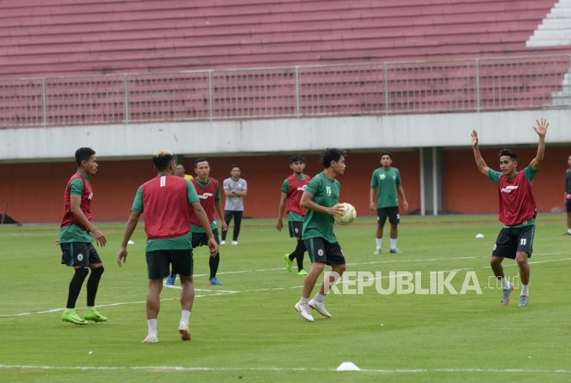Latihan Resmi PSS Sleman. Pemain PSS Sleman menggelar latihan resmi di Stadion Maguwoharjo, Sleman, DIY, Selasa (14/5/2019).