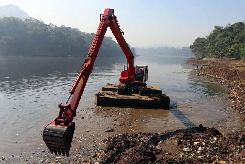 Daur ulang sampah Sungai Citarum.