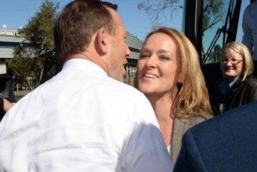 Tony Abbott dan Fiona Scott