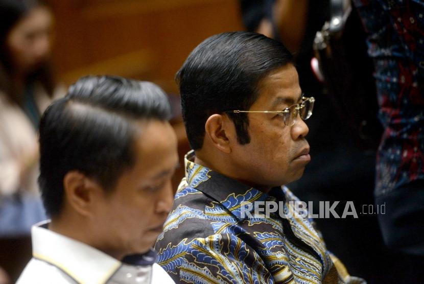 Vonis Idrus Marham. Terdakwa kasus dugaan suap proyek PLTU Riau-1 Idrus Marham bersiap menjalani sidang putusan di Pengadilan Tipikor, Jakarta Pusat, Selasa (23/4/2019).
