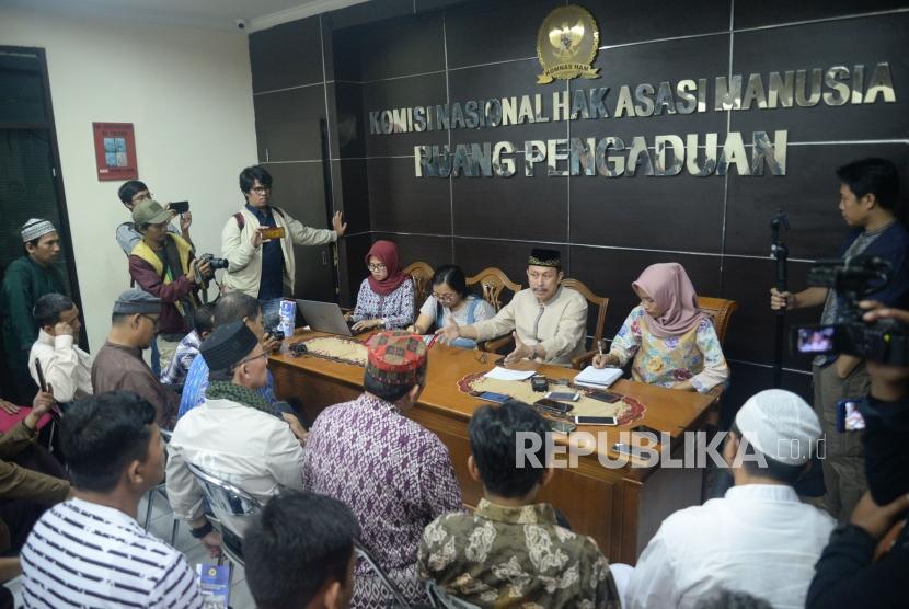 [ilustrasi] Ketua Komnas HAM Ahmad Taufan Damanik memberikan tanggapan saat menerima sejumlah komponen umat terkait dugaan pelanggaran HAM yang dilakukan aparat pada aksi 21 dan 22 Mei di Kantor Komnas HAM, Jakarta, Jumat (24/5).