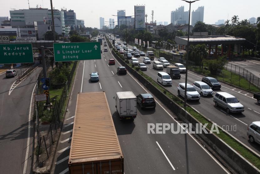 Ilustrasi Jalan Tol Jakarta-Tangerang.