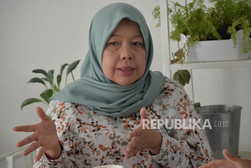 CEO Elzatta Corps Elidawati saat diwawancarai Republika di gerai Elzatta, Jakarta, Selasa (6/11).