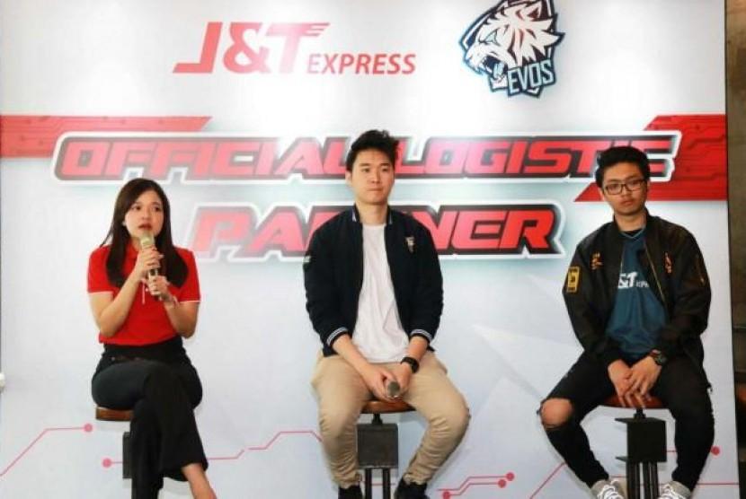 Dukung Industri 4.0, J&T Express Resmi Jadi Partner Logistik EVOS E-Sports. (FOTO: J&T Express)