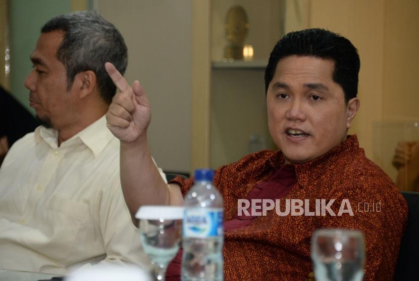 Ketua Tim Kampanye Nasional (TKN) Joko Widodo-Ma'ruf Amin, Erick Thohir memberikan paparan saat berkunjung ke kantor Republika, Jakarta, Rabu (30/1).