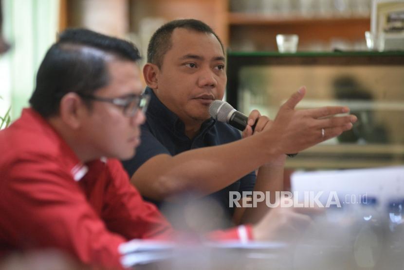 Politisi Partai Nasdem Taufik Basari menyampaikan pendapatnya dalam diskusi polemik di Jakarta, Sabtu (20/1).