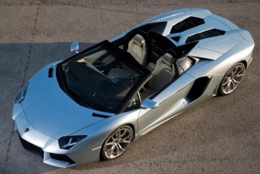 Harga Aventador Roadster Diperkirakan Tembus Rp10 Milyar