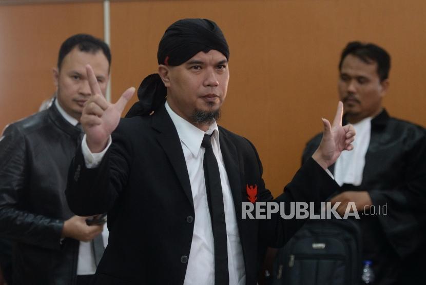 Vonis 1,6 Tahun Ahmad Dhani. Musisi Ahmad Dhani usai mengikuti sidang putusan kasus ujaran kebencian di Pengadilan Negeri Jakarta Selatan, Senin (28/1/2019).