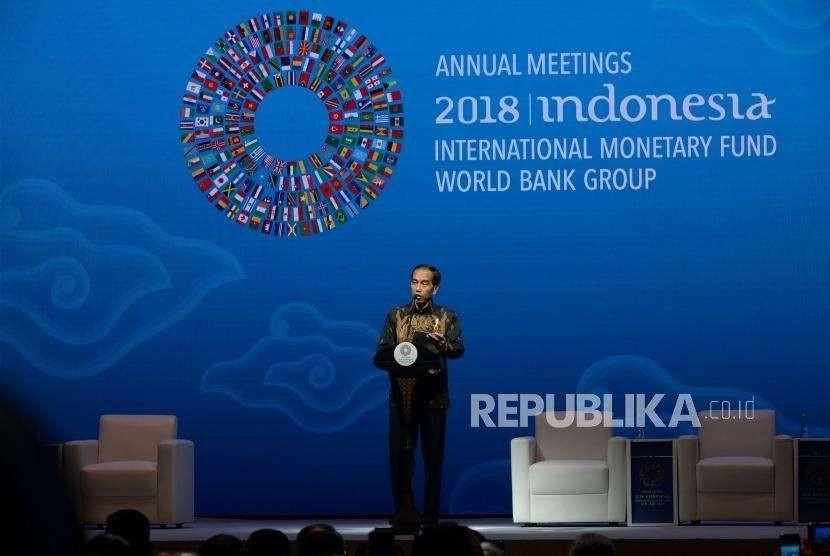 Bali Fintech Agenda. Presiden Joko WIdodo memberikan sambutan pada pembukaan seminar 'The Bali Fintech Agenda' rangkaian penyelenggaraan pertemuan tahunan IMF - World Bank Group 2018 di Nusa Dua, Bali, Kamis (11/10).