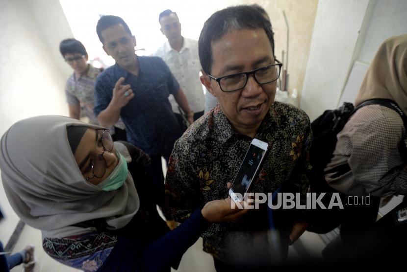 Plt Ketua Umum PSSI Joko Driyono tiba untuk menjalani pemeriksaan di Gedung Direktorat Reserse Kriminal Umum Polda Metro Jaya, Jakarta, Senin (18/2).