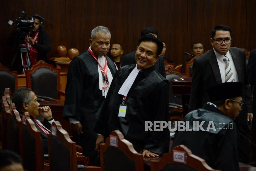 Tim Kuasa Hukum Joko Widodo-Ma'ruf Amin, Yusril Ihza Mahendra saat menghadiri sidang lanjutan Perselisihan Hasil Pemilihan Umum (PHPU) Pemilihan Presiden (Pilpres) 2019 di Gedung Mahkamah Konstitusi, Jakarta, Rabu (19/6).