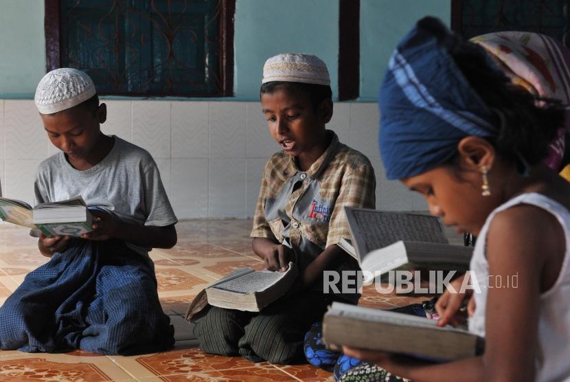 Sejumlah anak muslim Rohingya