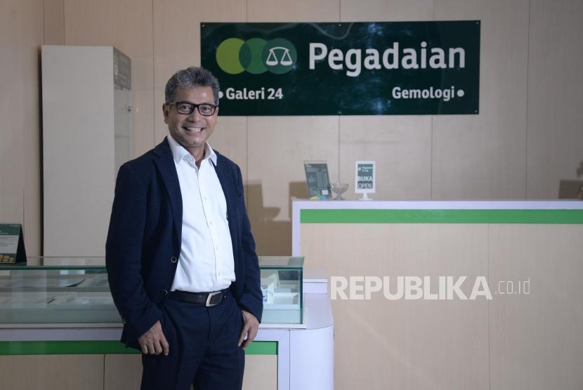 Dirut Pegadaian Sunarso saat diwawancarai Republika di Jakarta.