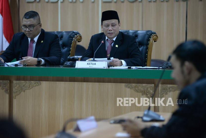 Ketua Bawaslu Abhan memimpin sidang pembacaan putusan terkait dugaan pelanggaran administratif terkait sistem perhitungan suara (Situng) yang di lakukan KPU di Jakarta, Kamis (16/5).