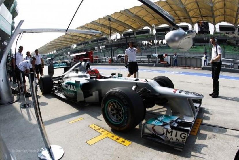 Team Orders Masih Berlaku di Mercedes | Republika Online