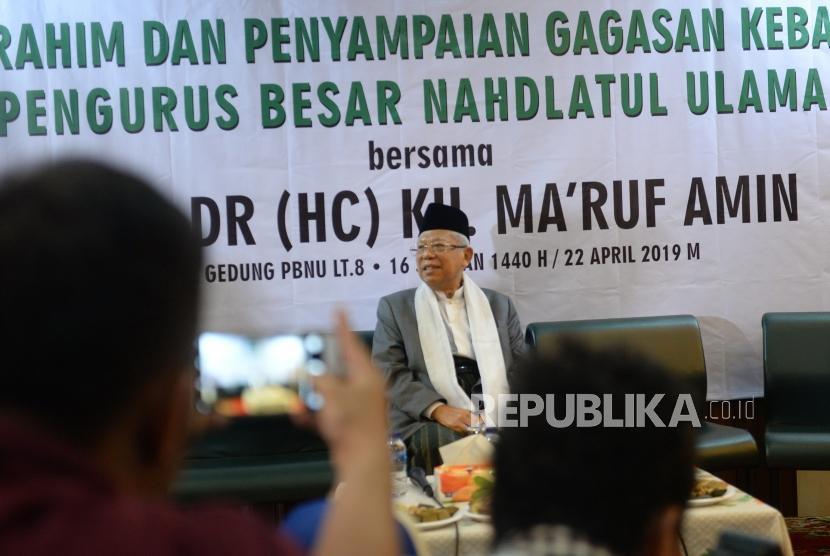 Syukuran kesuksesan Pemilu. Mustasyar PBNU yang juga Cawapres nomor urut 01 KH Ma'ruf Amin saat menghadiri silaturahim dan syukuran suksesnya Pemilu di gedung PBNU, Jakarta, Senin (22/4/2019).