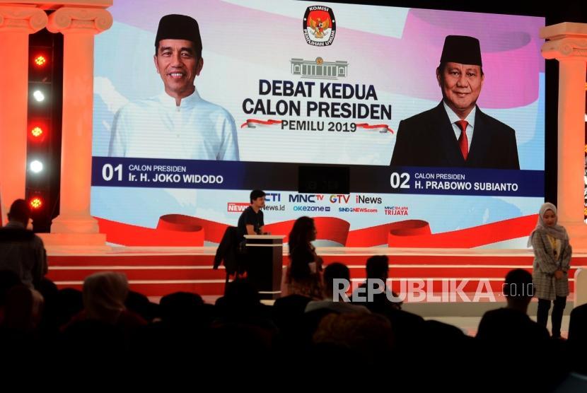 Suasana gladi kotor debat kedua Pilpres 2019 di Ballroom Hotel Sultan, Senayan, Jakarta, Sabtu (16/2).