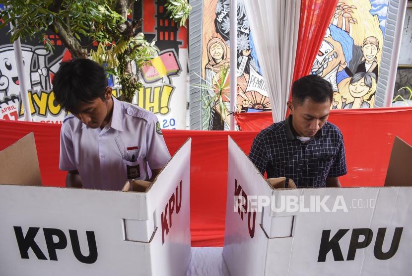 Sejumlah siswa mengikuti simulasi Pemilu 2019 (ilustrasi)