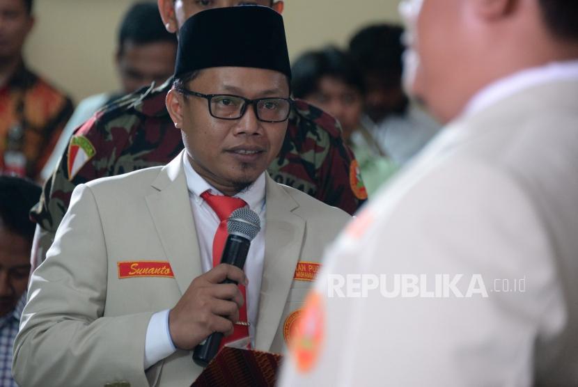 Ketua Umum PP Pemuda Muhammadiyah periode 2018-2022 Sunanto melantik pengurus PP Pemuda Muhammadiyah periode 2018-2022 di Gedung Dakwah Muhammadiyah, Jakatra, Jumat (28/12) malam.