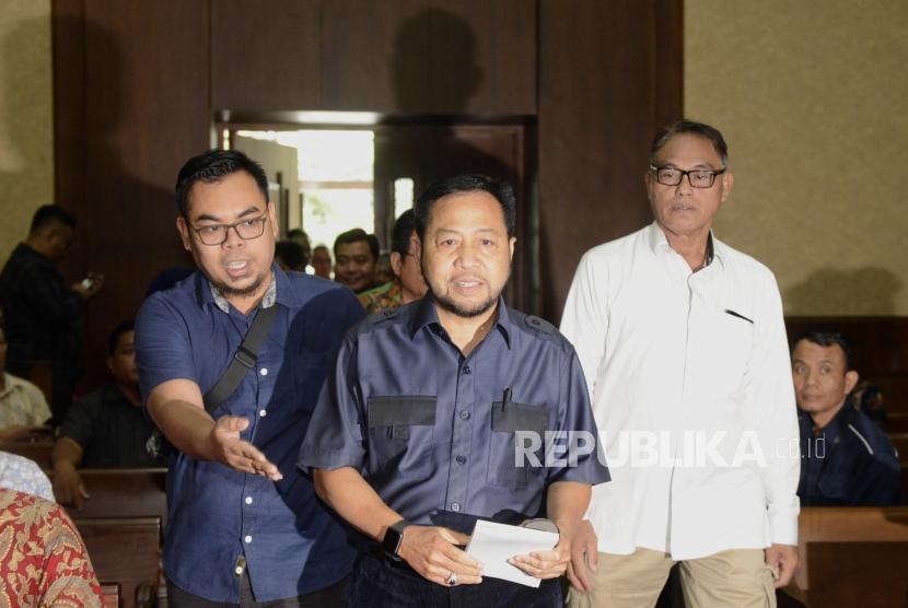 Terpidana kasus E-KTP Setya Novanto bersiap menjadi saksi pada sidang lanjutan kasus dugaan suap proyek PLTU Riau-1, dengan terdakwa mantan Dirut PLN Sofyan Basir di Pengadilan Tipikor, Jakarta, Senin (12/8).