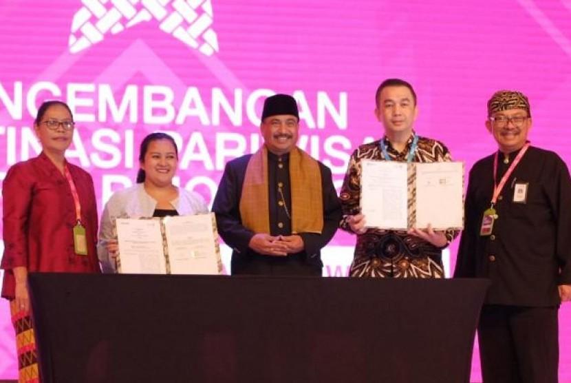 Kembangkan Digitalisasi Bisnis Pariwisata, Kemenpar Teken MoU dengan Blibli.com. (FOTO: Kemenpar)