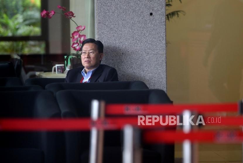 Pemeriksaan James Riady. CEO Lippo Group James Riady bersiap menjalani pemeriksaan di Gedung Komisi Pemberantasan Korupsi (KPK), Jakarta, Selasa (30/10).