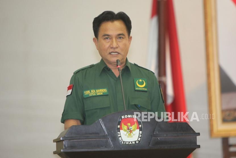 Ketua  Umum Partai Bulan Bintang Yusril Ihza