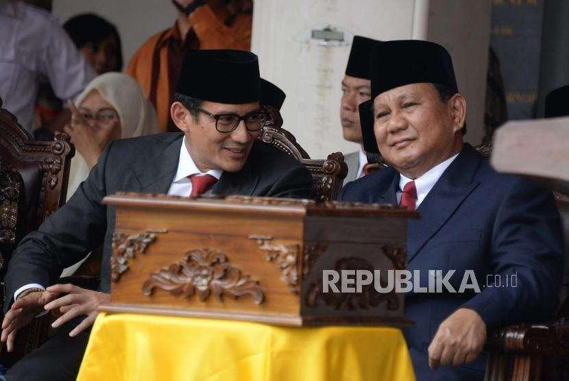 Bakal Capres Cawapres Prabowo Subianto dan Sandiaga Uno mengikuti Upacara Peringatan Detik-detik Proklamasi Kemerdekaan ke-73 di Universitas Bung Karno (UBK), Jakarta, Jumat (17/8).