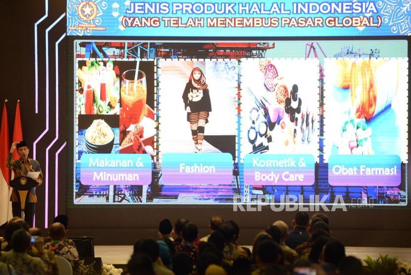 Presiden Joko Widodo memberikan sambutan pada acara peluncuran masterplan ekonomi syariah Indonesia 2019-2024 di Jakarta, Selasa (14/5).