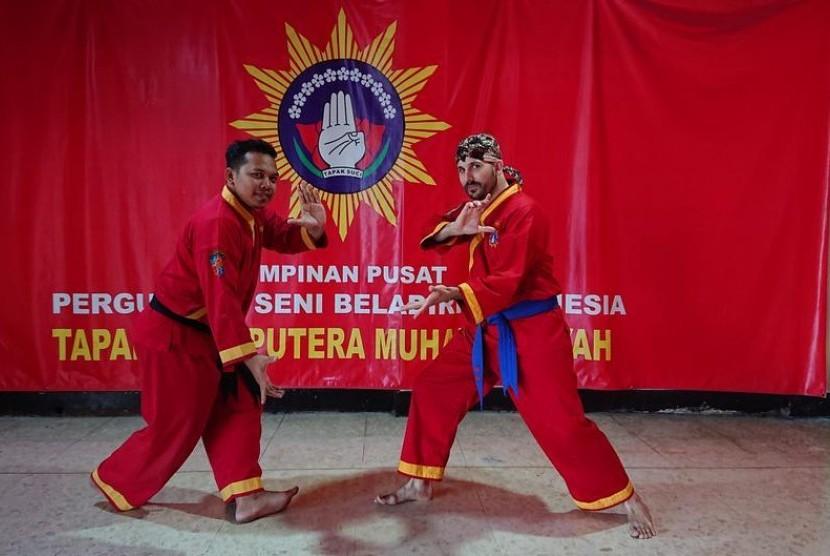 Kesan Pesilat Jerman Ketika Berlatih Pencak Silat di Indonesia