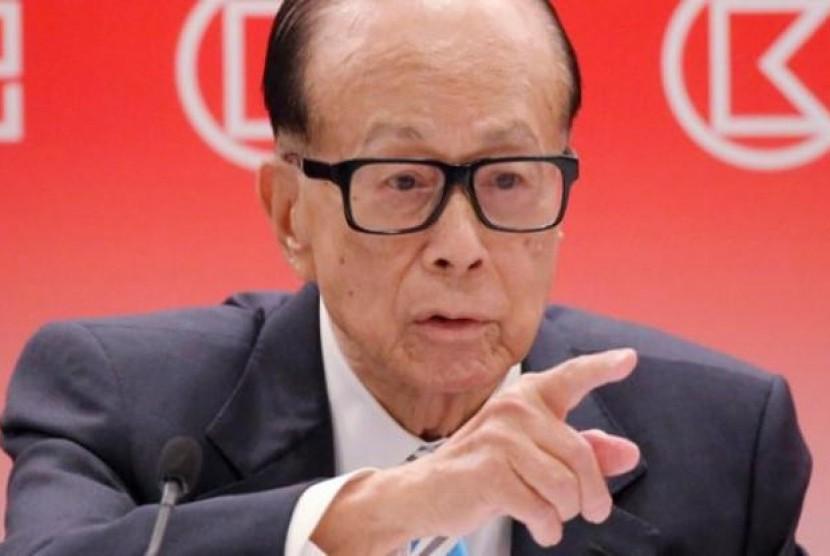 Mohon Perdamaian, Orang Terkaya Hong Kong Tulis Puisi. (FOTO: Business Insider)