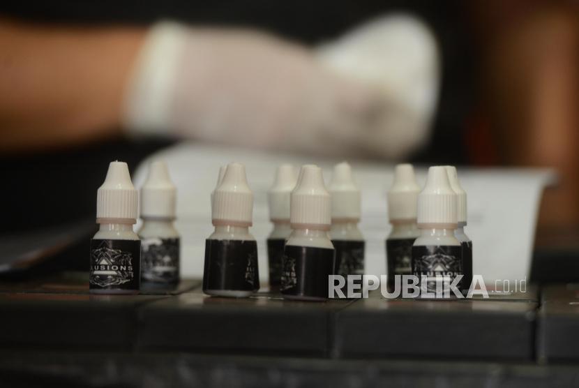 Barang bukti narkotika jenis liquid vape. (Dok)