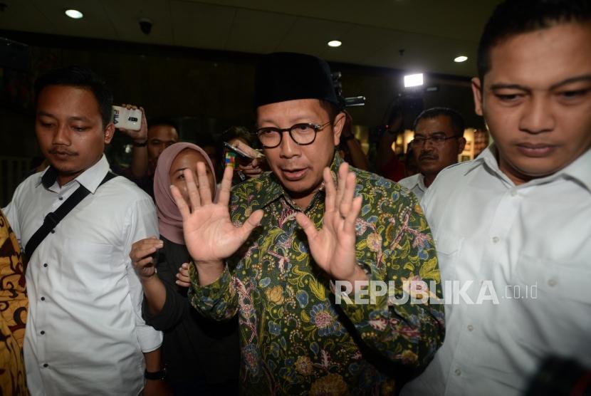 Kementerian Agama. Menteri Agama Lukman Hakim Saifuddin saat tiba di kantor Kementerian Agama, Jakarta, Senin (18/3).