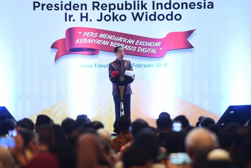 President Joko Widodo delivers his speech at National Press Day in Surabaya, East Java, Saturday (Feb 9).